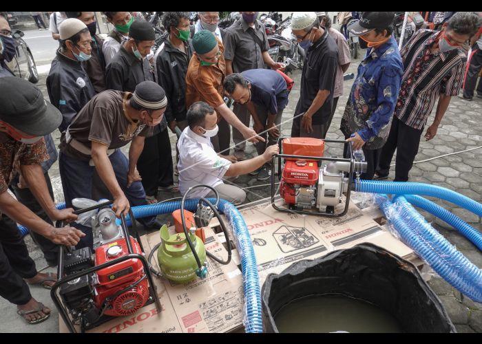 Bantuan Mesin Pompa Air Untuk Petani Kebumen Antara Foto