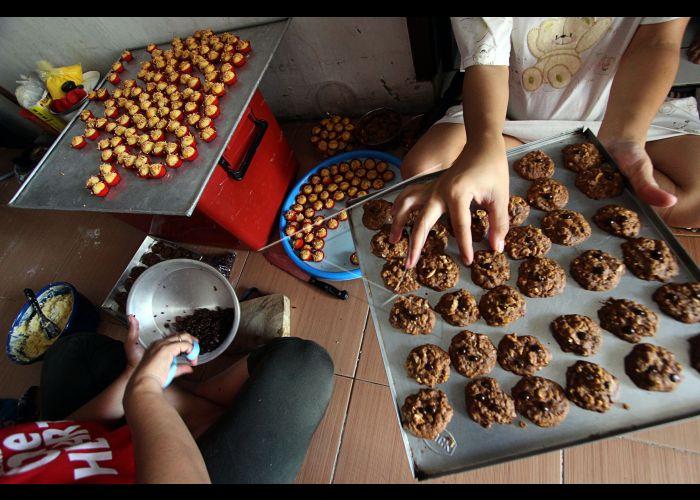 Bisnis Kue Kering Lebaran | ANTARA Foto