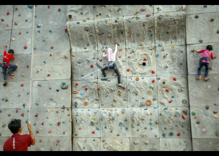 Edukasi Wall Climbing Untuk Anak Antara Foto