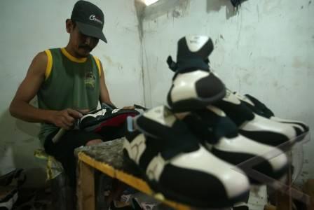 industri rumahan sepatu