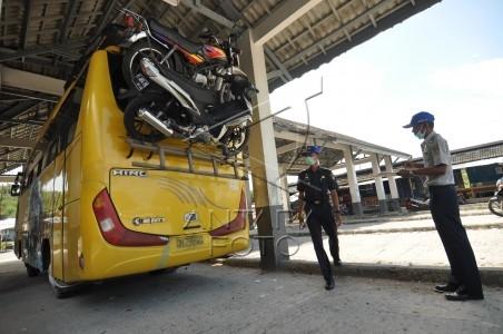 angkut motor dengan bus