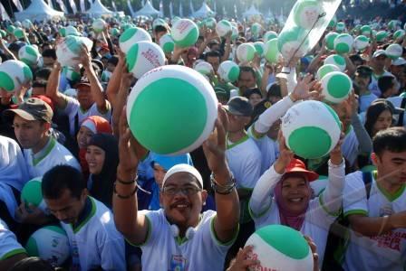 indonesia mengoper bola