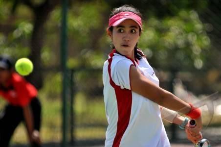 emas tenis putri