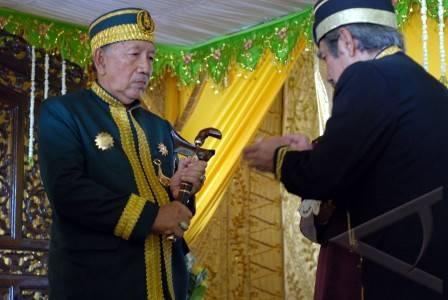 penobatan sultan