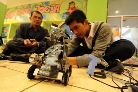kontes robot pintar