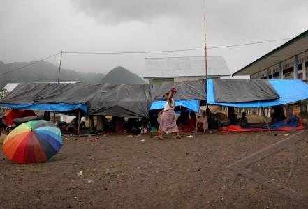 pengungsian korban gempa