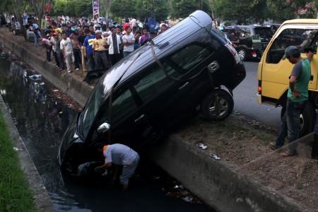Kecelakaan Lalu Lintas 2014 Kecelakaan Lalu Lintas