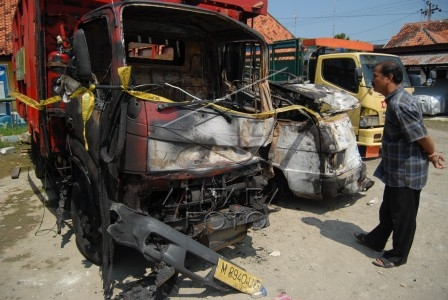 kecelakaan menewaskan enam orang
