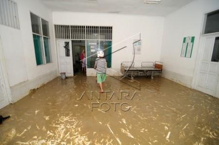 banjir landa rumah sakit