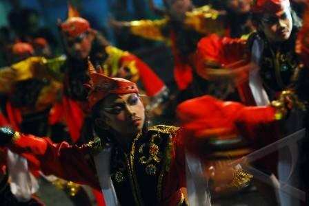 Surabaya 7 11 tari remo sejumlah seniman asal surabaya til