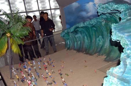 Lukisan tsunami
