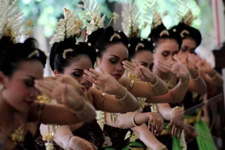 Tari Bedhaya Yogyakarta Yogyakarta 14/1 Tari