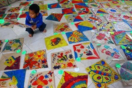 festival melukis layang-layang
