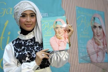 buku hijab april jasmine