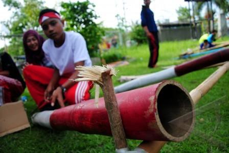 festival permainan rakyat