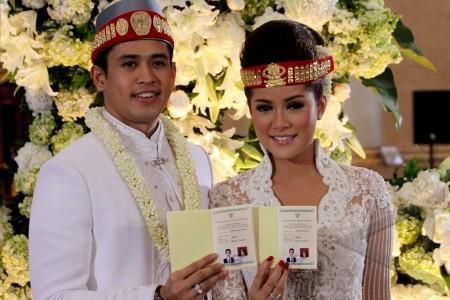 Jakarta Ola Ramlan Menikah Pemain Film Dan Presenter Olla