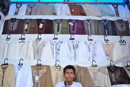Baju Muslim Pria - ANTARA Foto: Ekonomi Dan Bisnis - 14