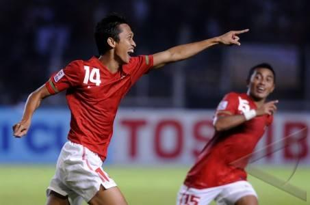 olahraga ekspresi arif suyono 01 Foto Pemain Timnas 2010 : Nomor Punggung, Tanggal Lahir, Posisi dan Asal Klub