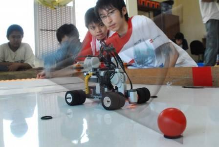 http://v-images2.antarafoto.com/gpr/1250257028/olimpiade-robot-28.jpg
