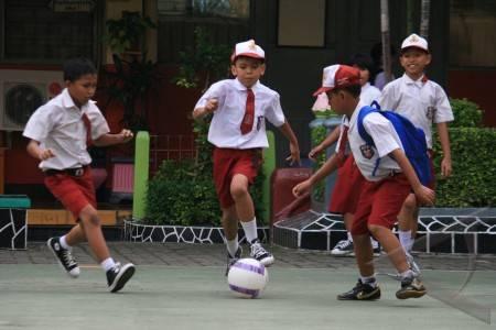 Hari-pertama-sekolah-01