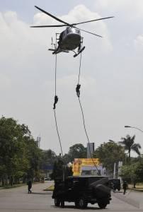 Latihan Gabungan Paspampres dan Pasukan Elit TNI Dalam Rangka Pra-Tugas KTT ASEAN SUMMIT 2011