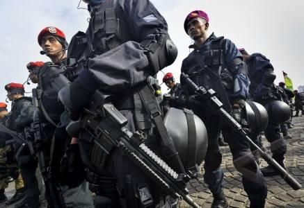 TNI-Polri Gelar Pasukan Pengaman KTT ASEAN 2011