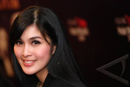 Download Foto Sandra Dewigambar Artis Sandra Dewi Download Foto