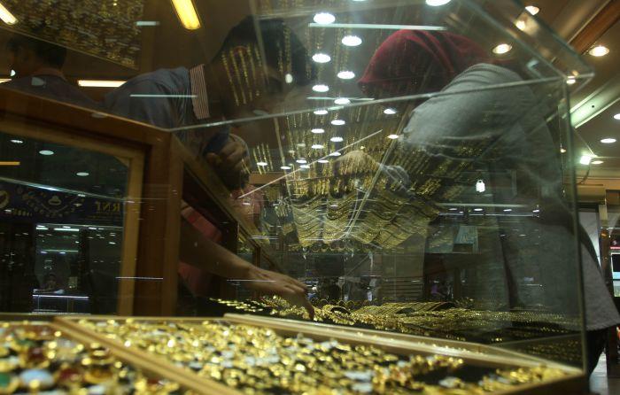 Harga Emas Turun Antara Foto