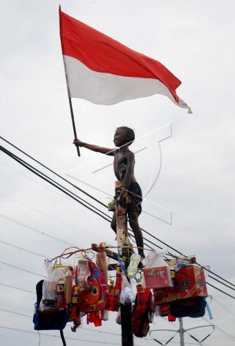 87+ Gambar Anak Mengibarkan Bendera Merah Putih