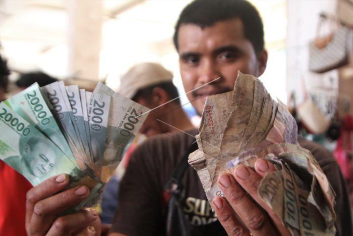 Bagaimana Mekanisme Penukaran Uang Rupiah yang Rusak?