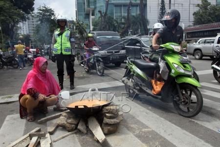protes rencana kenaikan bbm