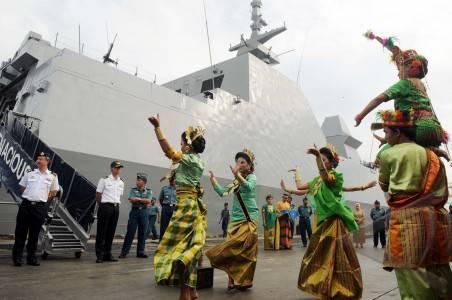 Dua Kapal Perang Singapura Berkunjung Ke Kota Angin Mamiri