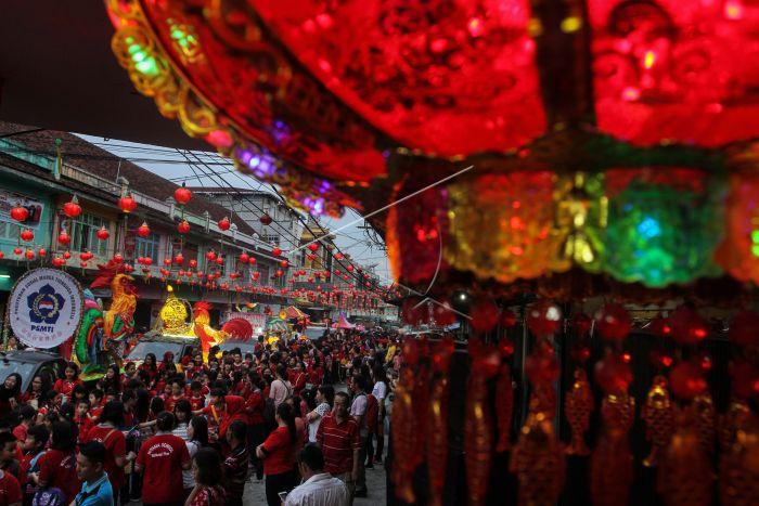 Pawai Lampion Zhong Qiu Antara Foto