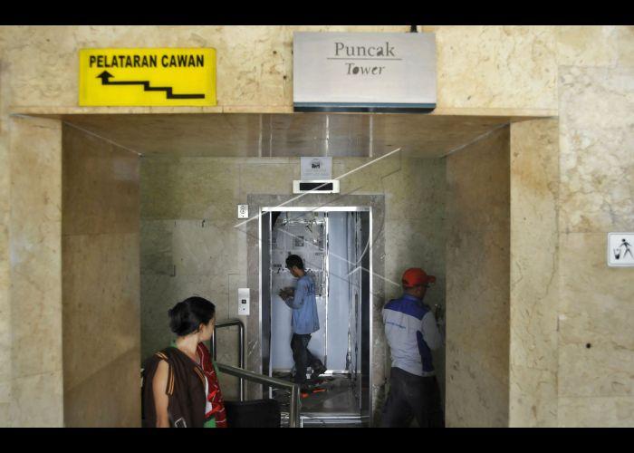Perawatan Lift Monas Antara Foto