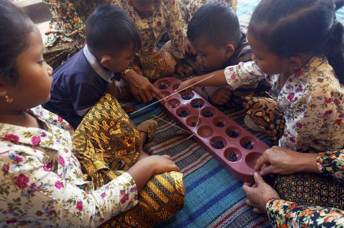 Permainan Tradisional Anak Antara Foto