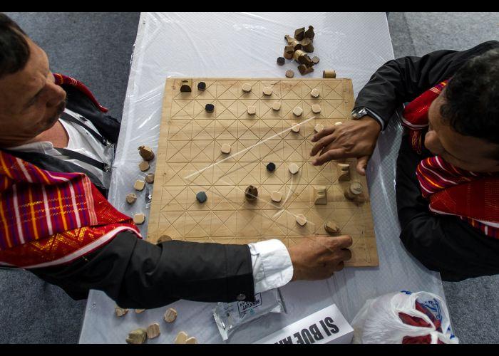 Permainan Tradisional Catur Karo Antara Foto