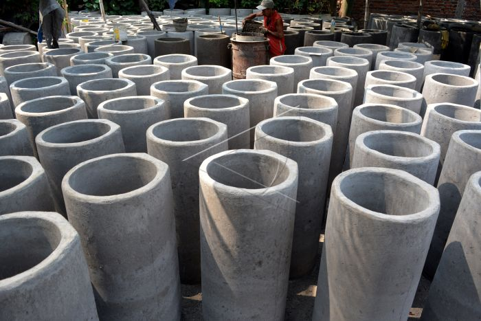 Produksi Beton Gorong-Gorong  ANTARA Foto