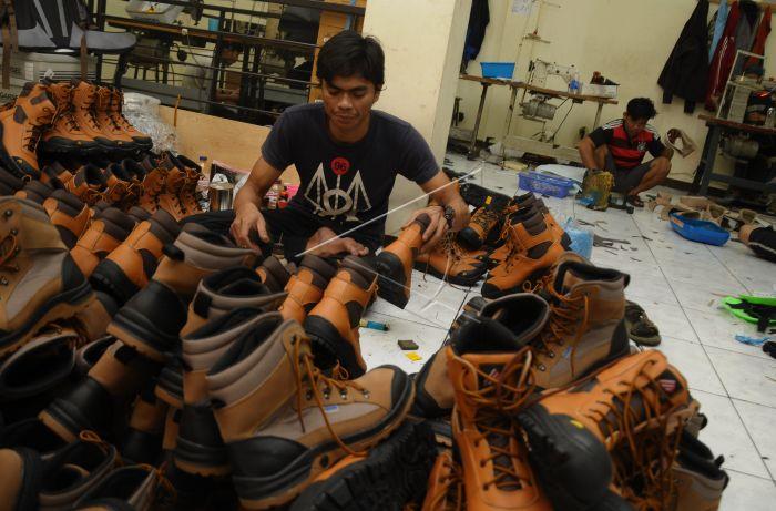 Industri sentra sepatu Cibaduyut | Sumber: Antara