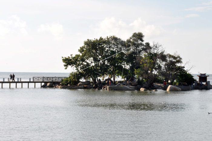 Pulau Terkecil Antara Foto